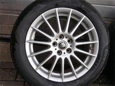 17 Inch Originele Jaguar Xe Velgen Winterbanden