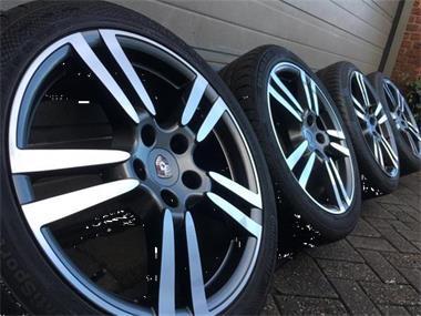 Nieuwe 20 Inch Porsche Panamera Velgen Zomerbanden